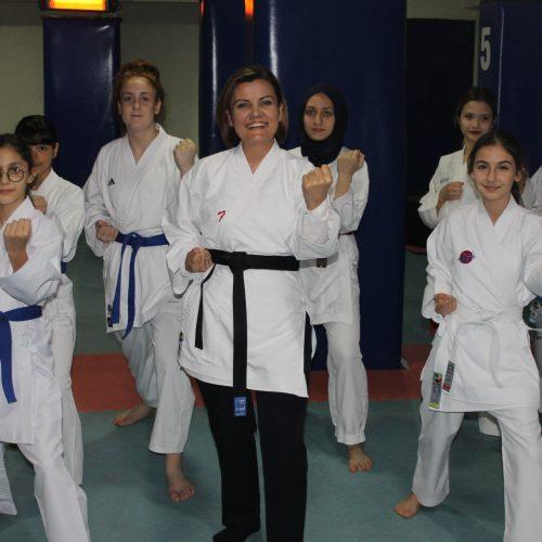 Fatma Kaplan Hürriyet (1) - 2019-03-25T095142.387